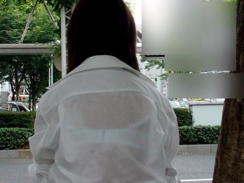処女jkの誘惑濡れ透けブラジャー下着盗撮エロ画像12枚目