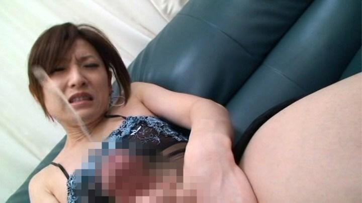 肥大乳首の男の娘と潮吹き射精ニューハーフのエロ画像4枚目