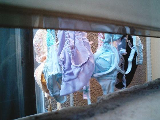 下着泥棒が盗撮したjk妹のBカップベランダ下着エロ画像3枚目