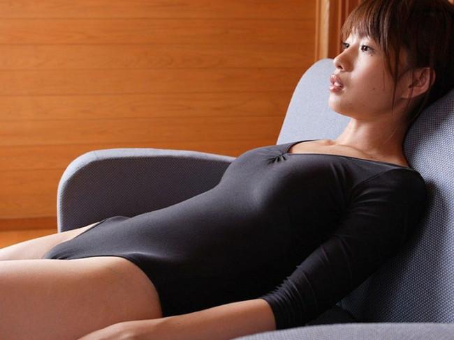 お宝!小倉優子のハイレグレオタード食い込みエロ画像11枚目