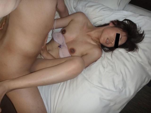 他人チンポでアクメするパンスト熟女の不倫エロ画像15枚目
