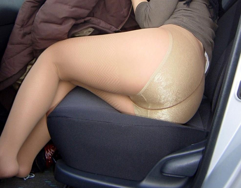 顔出し素人人妻のムチムチ豊満パンスト姿のエロ画像4枚目