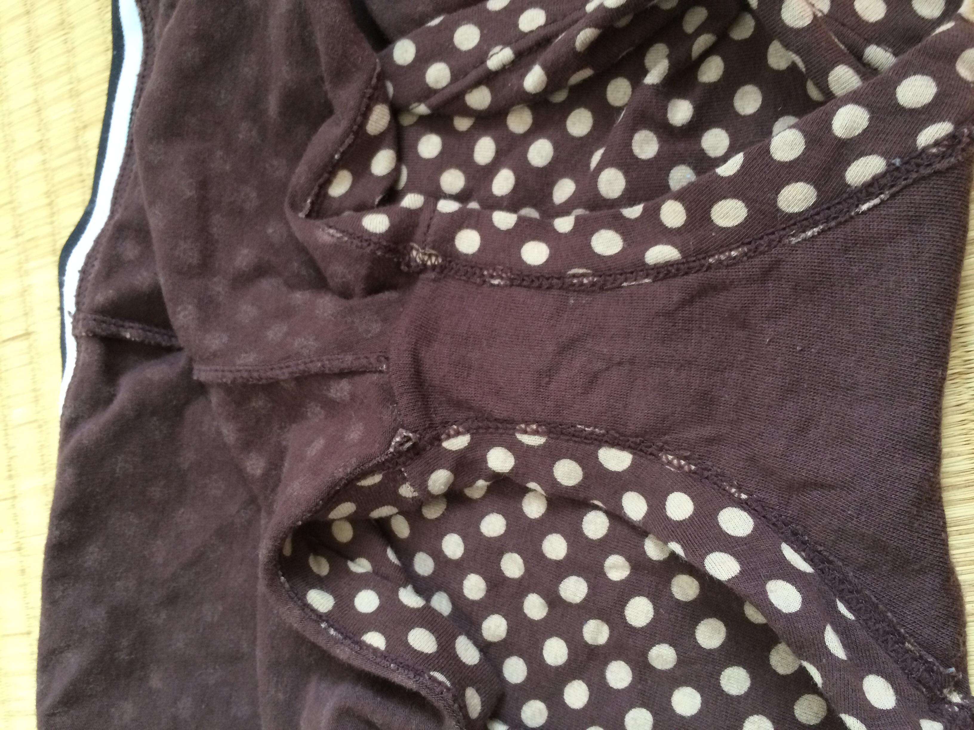 洗濯前のjk妹のクロッチシミ汚れ下着盗撮エロ画像12枚目