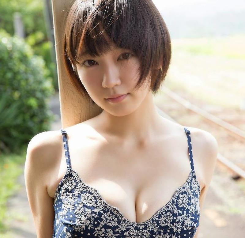 吉岡里帆ちゃんの巨乳おっぱいエロいまとめエロ画像8枚目