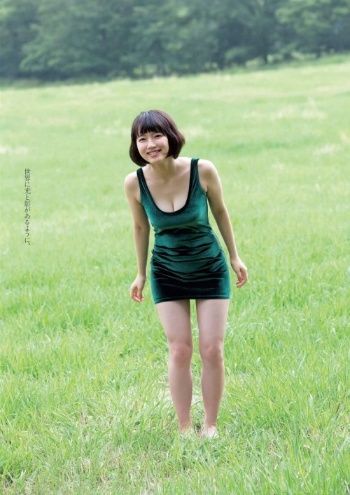 吉岡里帆ちゃんの巨乳おっぱいエロいまとめエロ画像14枚目