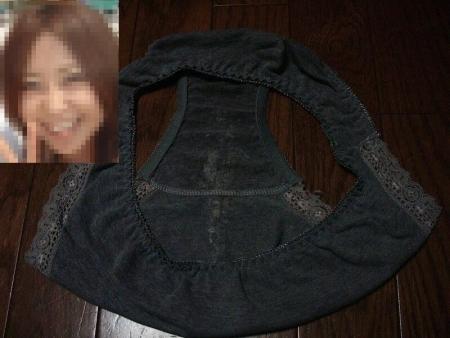 顔出し女子大生姉のクロッチシミ下着でオナニーエロ画像8枚目