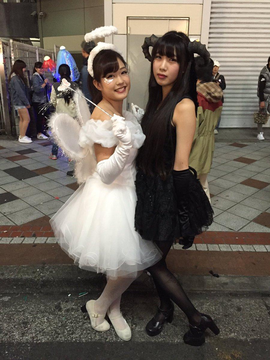 渋谷で自撮りするオフパコハロウィンjk胸チラエロ画像8枚目