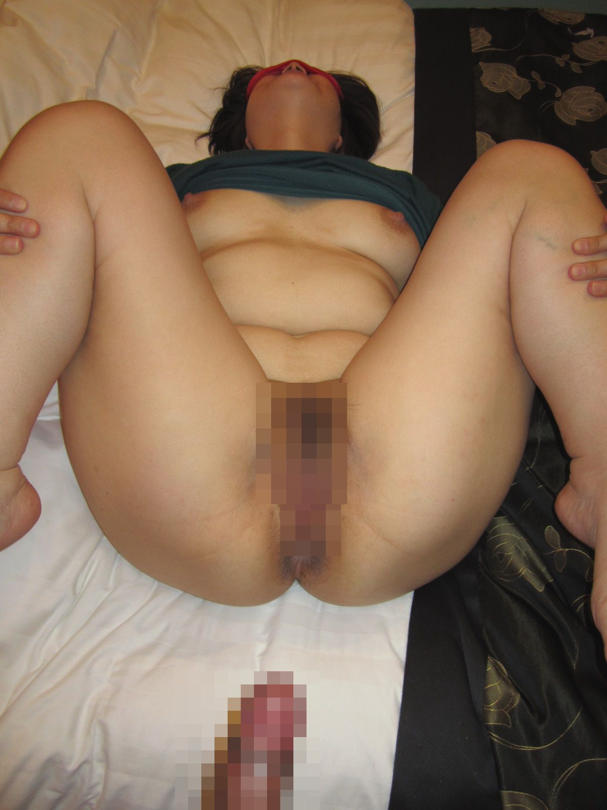 ラブホで不倫するデブの熟女や淫乱人妻のエロ画像10枚目