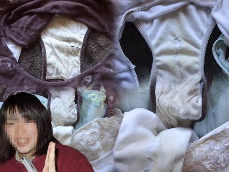 顔出し女子大生の姉の淫らなクロッチ下着盗撮エロ画像2枚目