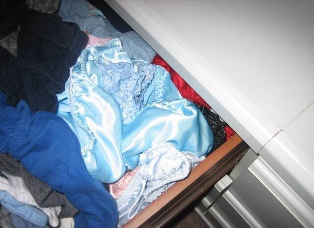 女子大生姉のタンスの中の下着バイブ盗撮エロ画像12枚目