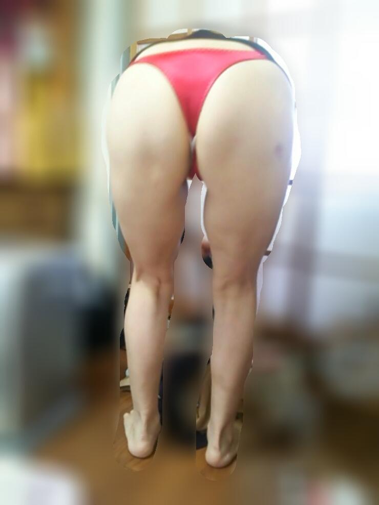 熟女下着姿の垂れた巨乳と剛毛マン毛不倫エロ画像16枚目