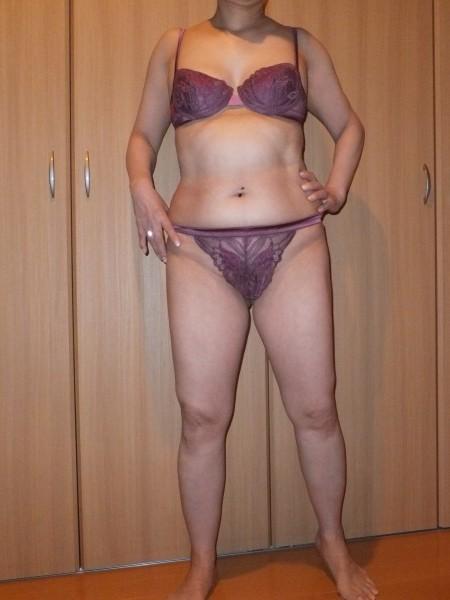 豊満なデブス不倫熟女の淫乱なラブホ下着姿エロ画像14枚目