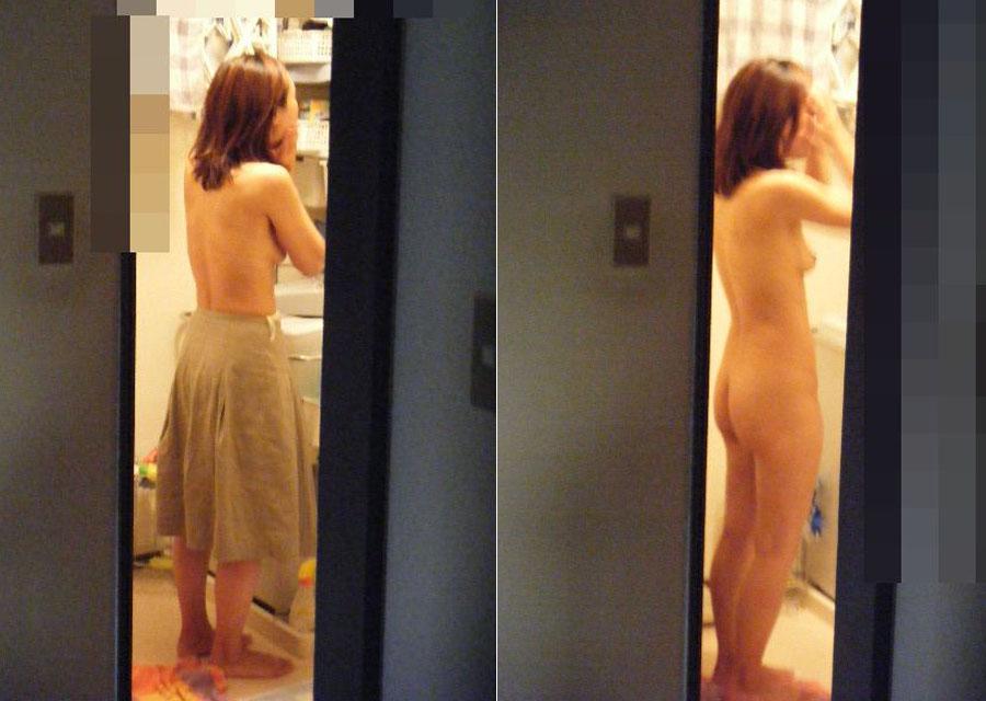 jk妹の家庭内ロリパンツ無防備な下着盗撮エロ画像12枚目