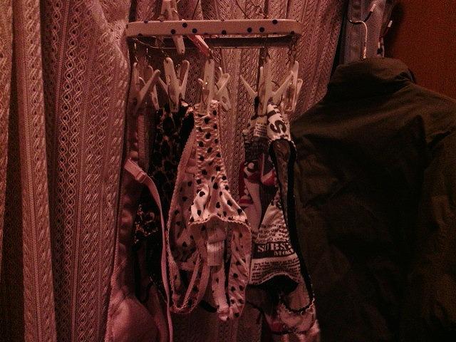 jk妹の姉の下着に紛れたベランダ下着盗撮エロ画像10枚目