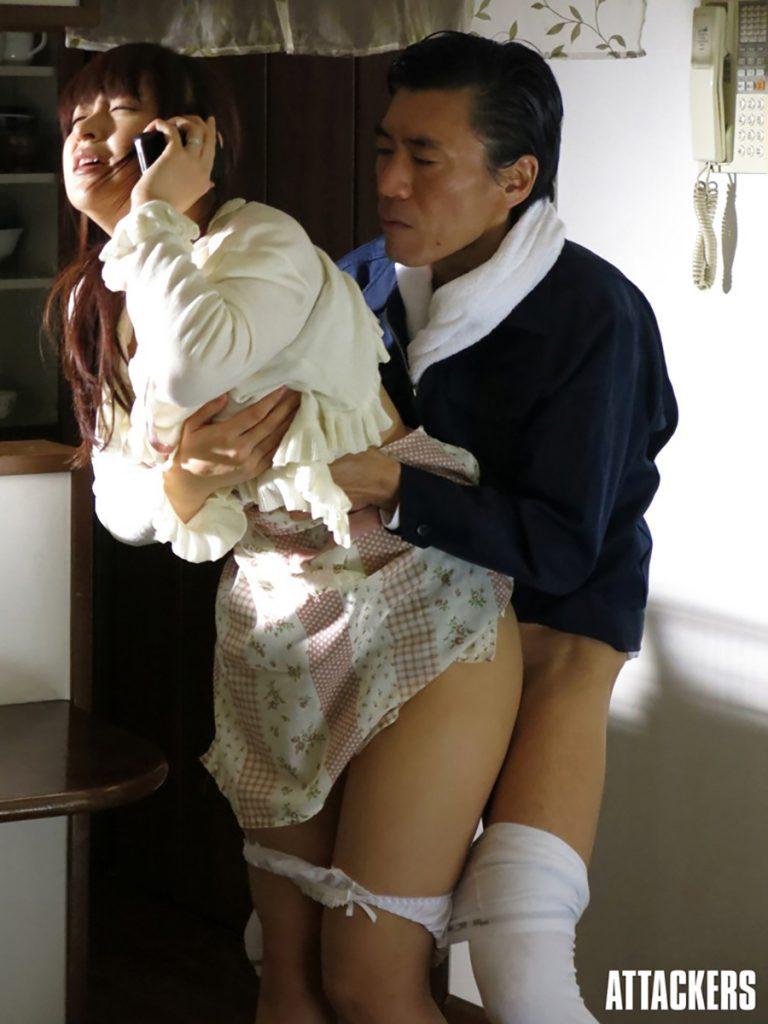 素人巨乳人妻が不倫オナニーを見せつけるエロ画像4枚目