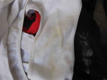 洗濯前のJC妹シミ付きクロッチ下着盗撮エロ画像6枚目