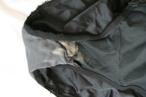 JC妹の後洗濯前のオナニー下着クロッチ盗撮エロ画像4枚目