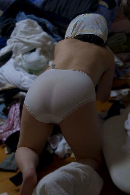透けロリパンツJC妹の家庭内下着盗撮エロ画像