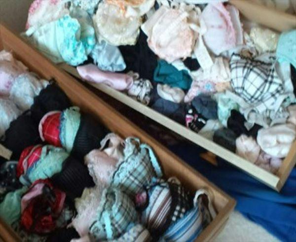 JC妹のタンスの中の綿素材ロリパンツ盗撮エロ画像11枚目