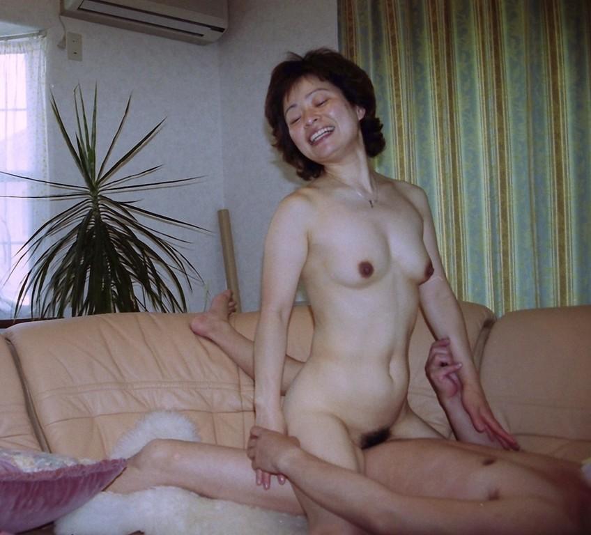 凄まじい性欲のデブでぽっちゃりな不倫人妻エロ画像6枚目