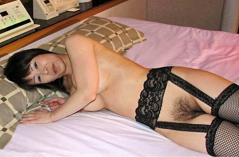 デカ乳首の老婆熟女の不倫ハメ撮りエロ画像8枚目