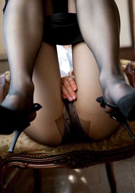 熟女パンストで窒息クンニを楽しむエロい画像8枚目