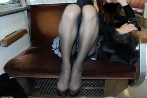 熟女パンストで窒息クンニを楽しむエロい画像12枚目