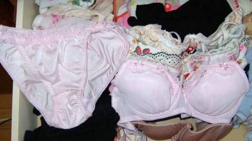 jc妹のロリパンツ多めなタンス下着の盗撮エロ画像15枚目