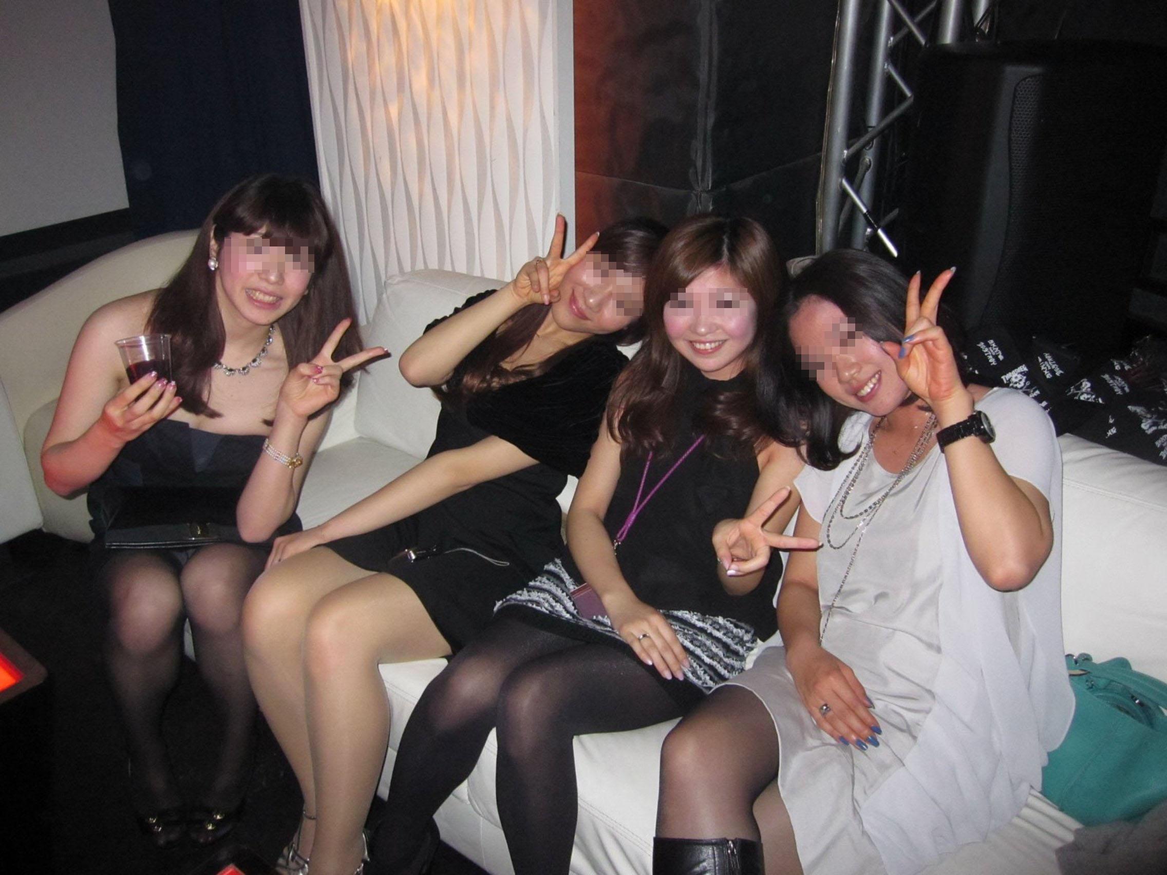 女子大生がクラブで泥酔のヤリマン下着盗撮エロ画像4枚目