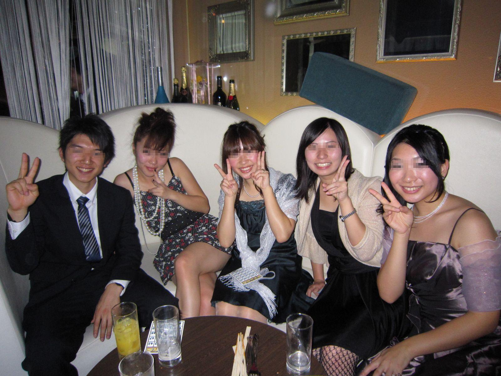 女子大生がクラブで泥酔のヤリマン下着盗撮エロ画像5枚目