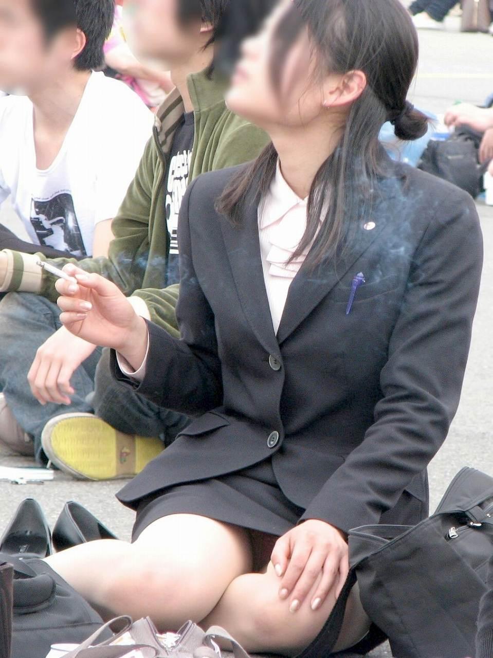 女子大生が花見で隠し撮りされた下着盗撮エロ画像15枚目