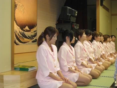 タイ人ピンクコンパニオンの本番確定枕営業エロ画像3枚目