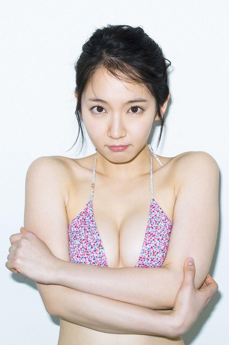 吉岡里帆の右の乳首が完全に透けてる露出エロ画像11枚目