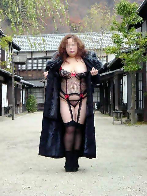 巨漢なデブ女の顔面騎上位するフェチエロ画像3枚目