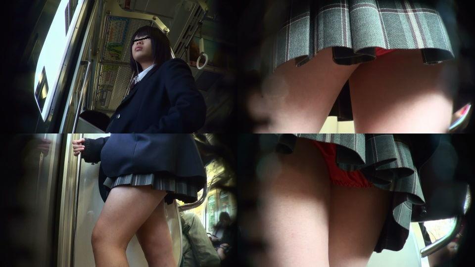 jkの食い込み下着の逆さパンチラ盗撮のエロ画像2枚目