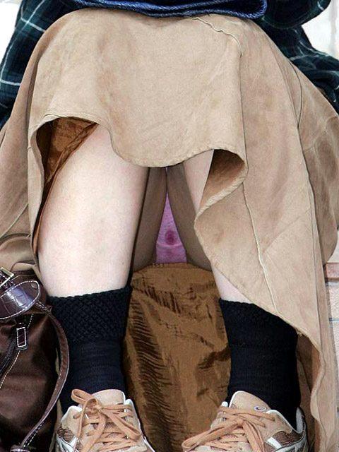 ぽっちゃりjc妹の汚れたクロッチ下着盗撮エロ画像9枚目