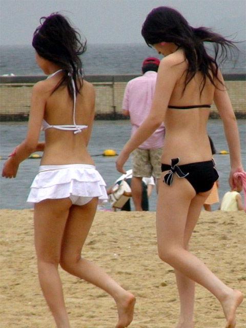 女子大生の極上スタイル水着姿の露出盗撮エロ画像8枚目