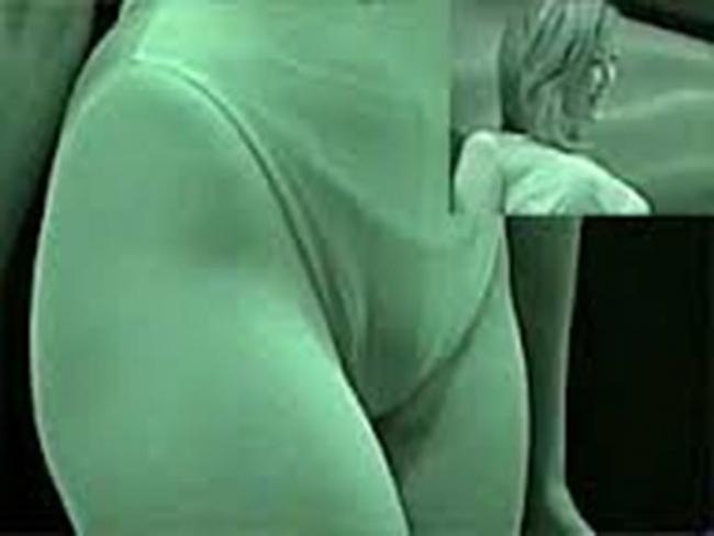競泳水着jkの乳首と股間の赤外線マニア盗撮エロ画像15枚目