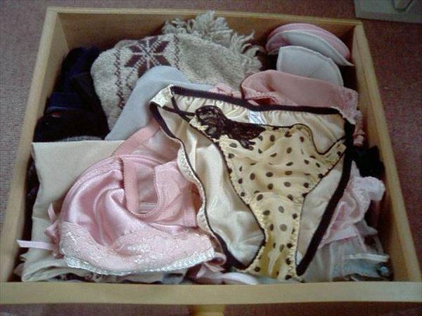 洗濯前の汚れたクロッチがエロいjkしまパンツ画像15枚目