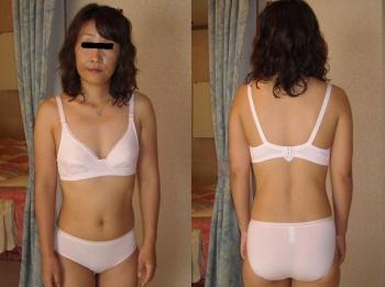 熟女がたるんだ身体で不倫している下着エロ画像13枚目