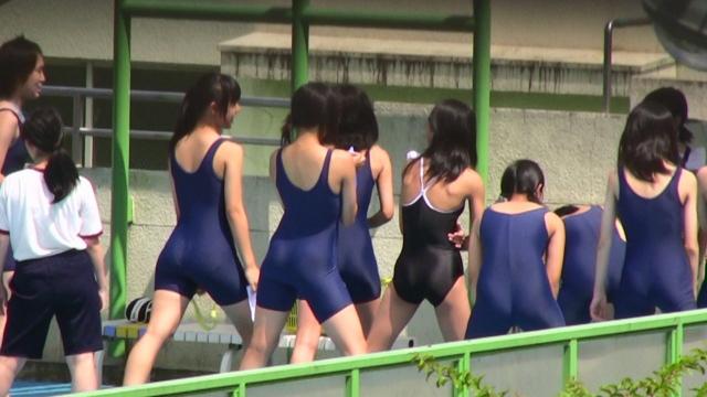 jkがスク水で準備運動をするドローン盗撮エロ画像5枚目