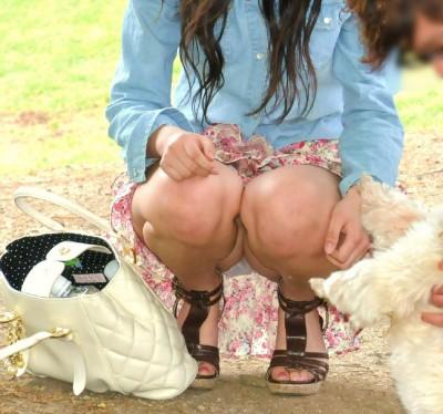 盗撮師を誘惑するヤリマン女子大生の下着エロ画像11枚目