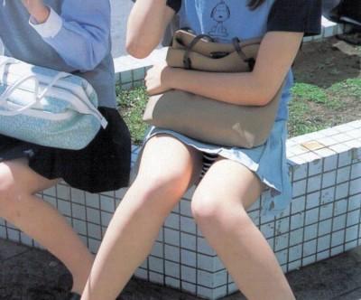 盗撮師を誘惑するヤリマン女子大生の下着エロ画像16枚目