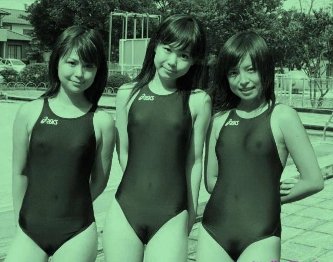 女子陸上選手の走り終えた姿の赤外線盗撮エロ画像9枚目