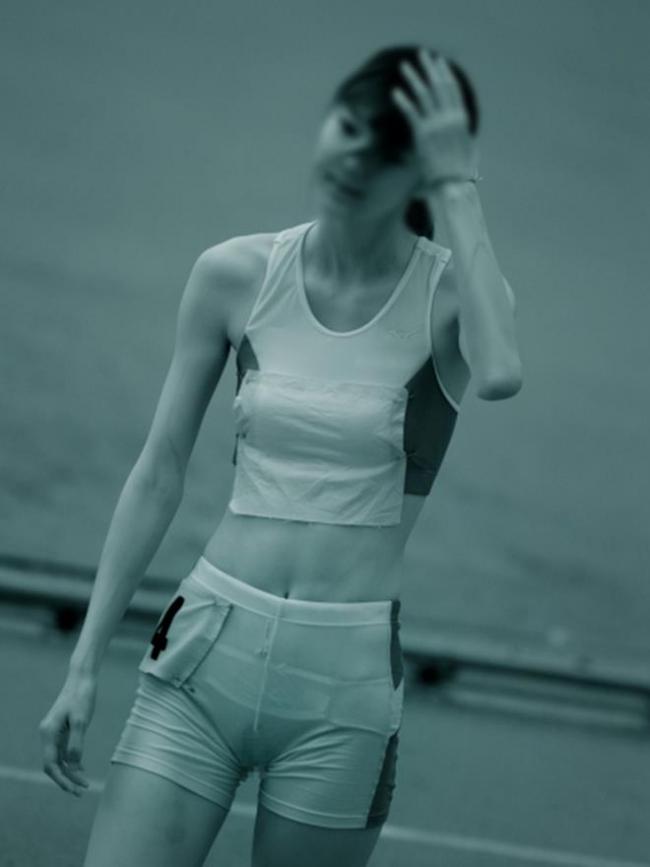 女子陸上選手の走り終えた姿の赤外線盗撮エロ画像12枚目