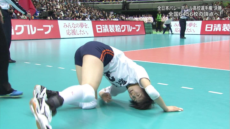 バレーボール部女子○校生のレシーブ胸チラエロ画像3枚目