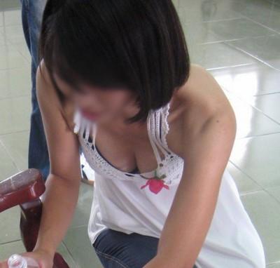 サークルの後輩の女子大生Dカップ胸チラ盗撮エロ画像