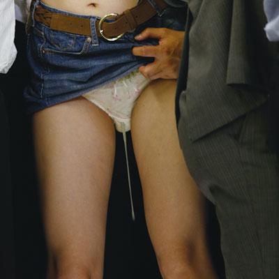 jkがパンコキレイプされ中出し射精後の痴漢エロ画像2枚目