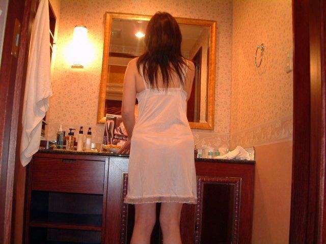 人妻なのに色気がヤバい超熟女のスレンダー下着エロ画像8枚目