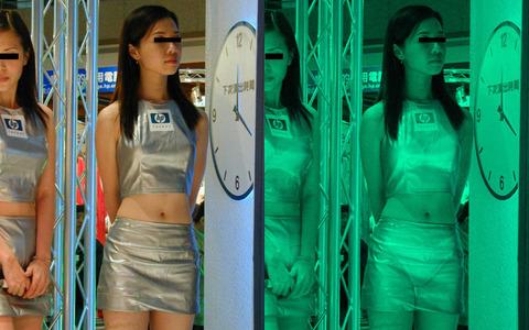 美女がカーニバルで赤外線盗撮された巨乳エロ画像2枚目